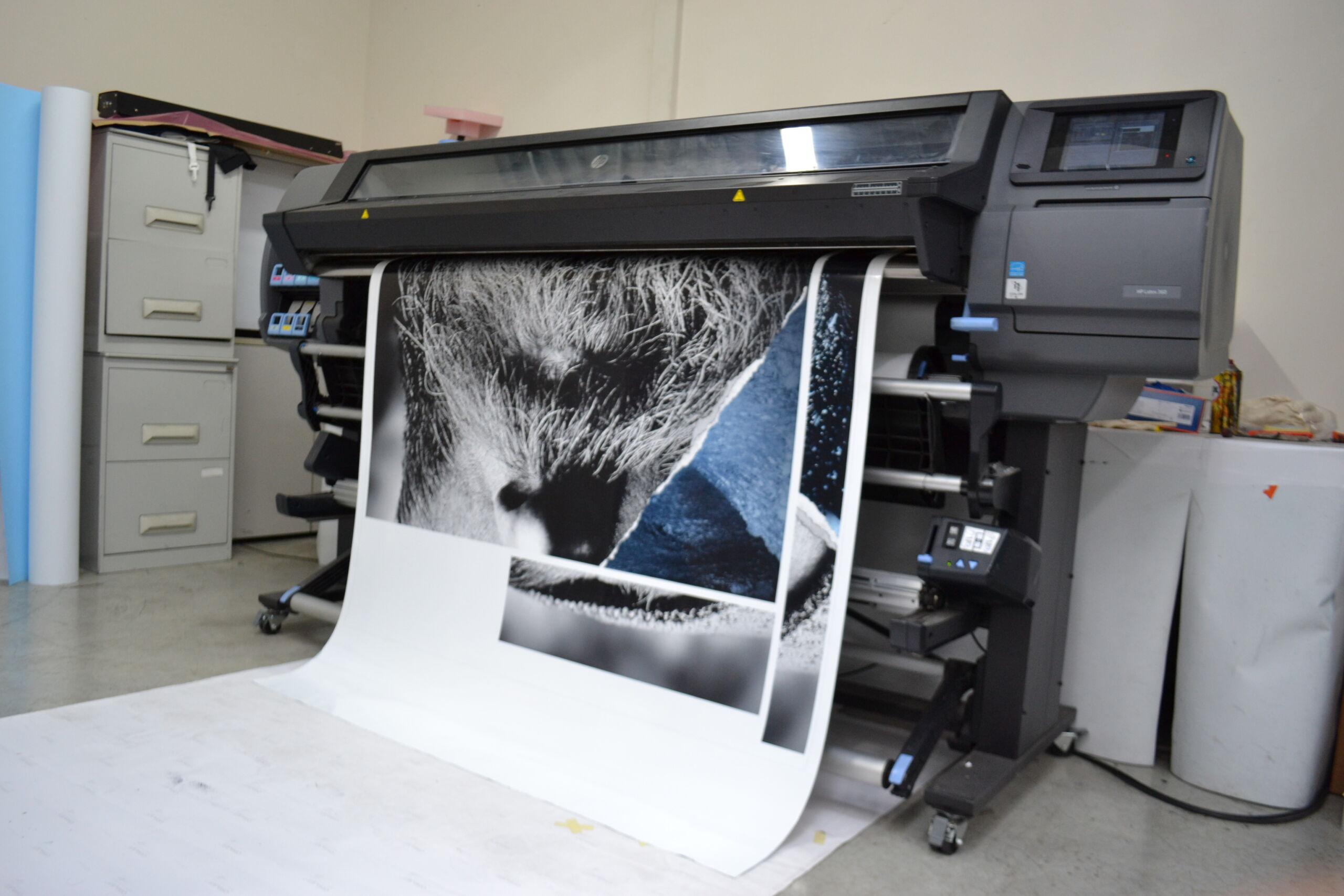 Dema Pubblicità-fase di stampaggio
